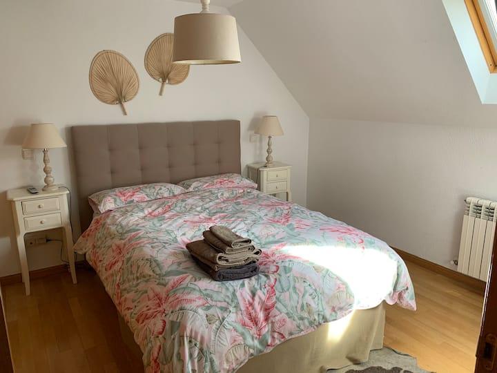 Habitación y baño privado en Ático Dúplex, Madrid