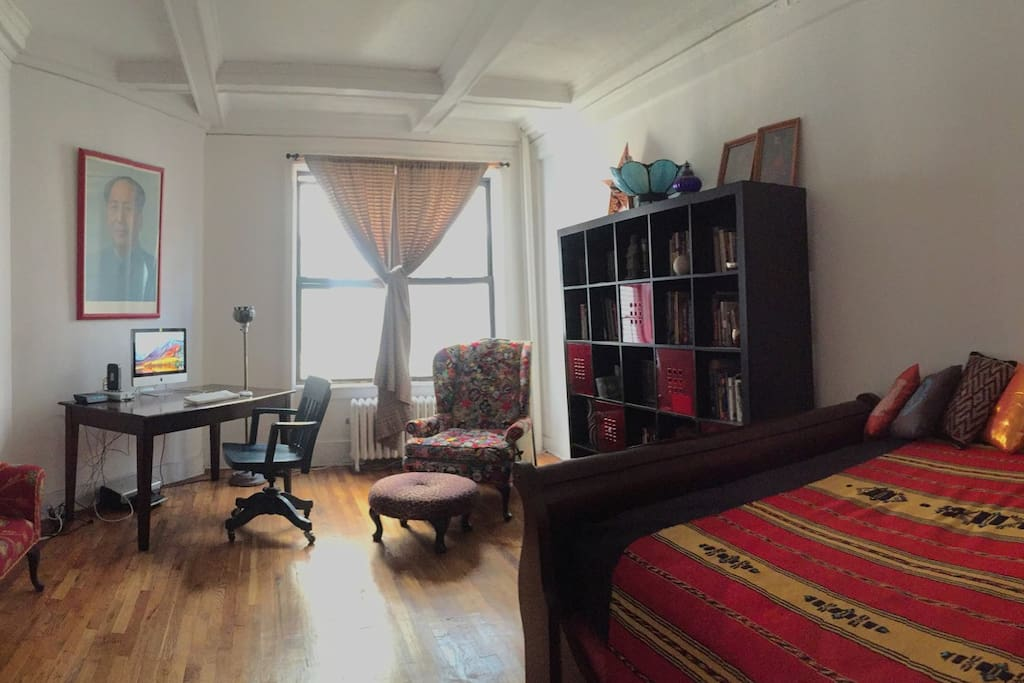 Large bedroom has soaring Pre-war cieling and is WiFi/High-speed internet enabled.