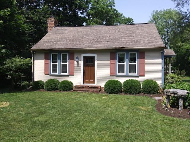Lititz Cottage Retreat