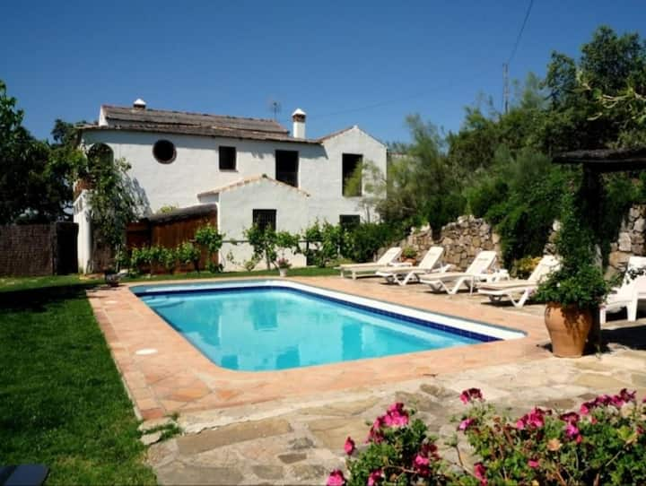 Charmin Holiday Home Los Algarrobos Gaucin with Mountain View, Pool, Wi-Fi, A/C, Balcony, Garden & Terrace; Parking Available, One Pet Allowed