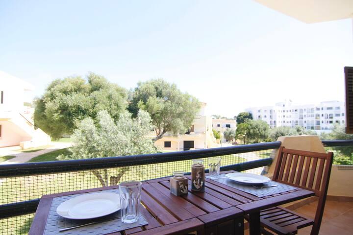 Clube Brisamar - 2BR Flat w/ Balcony
