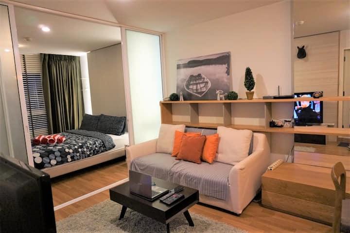 1BR Cozy Place@Sukhumvit – 10 mins to BTS Ekkamai