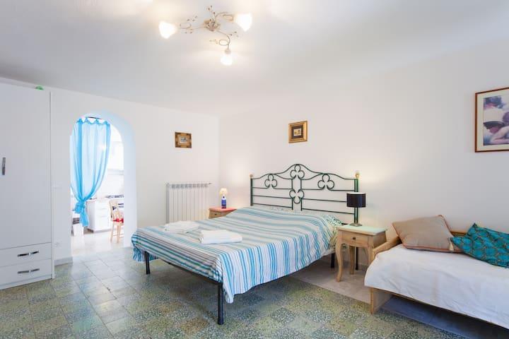 Villa Vincenzo Di Meglio - Apt.4 - Free WiFi