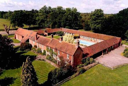 Luxury Barn near Guildford in the heart of Surrey