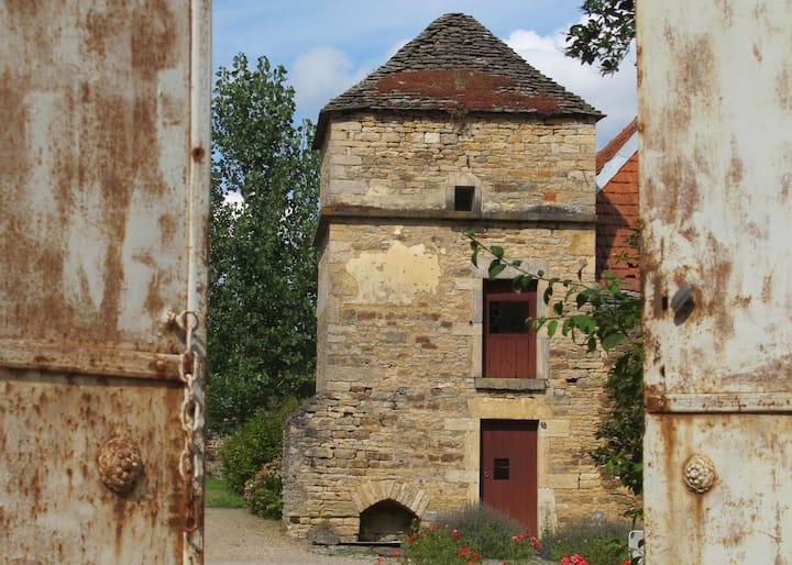 letoileargentee.com  Ancien relais en Bourgogne