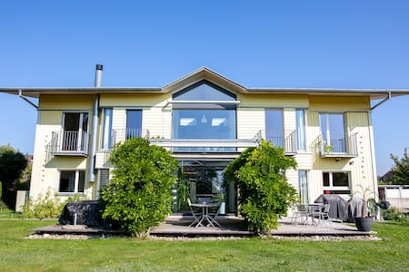 Beautiful cosy Villa for 6 guests 15min from Bern