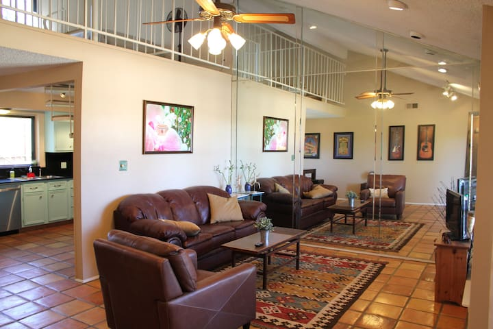 East Austin, close to downtown, great for groups! - Austin - Condominio