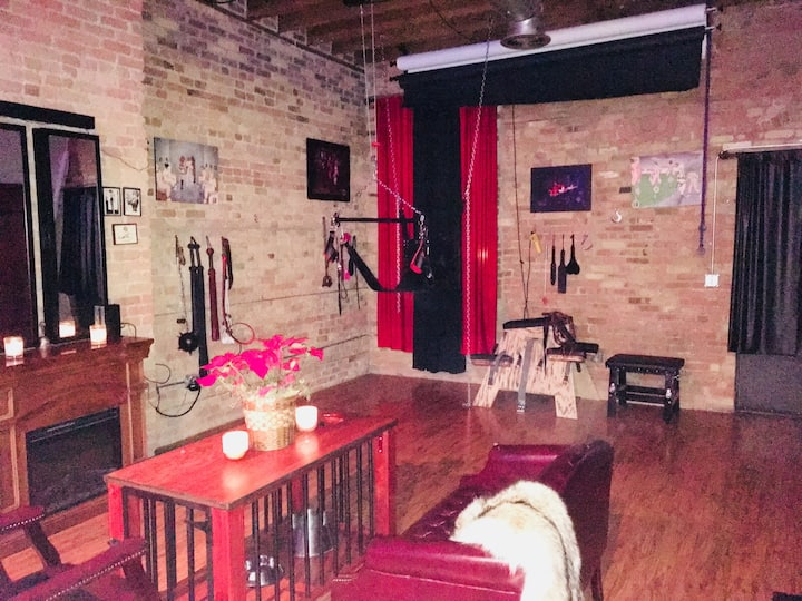 Bondage BnB Studio - The Perfect Retreat