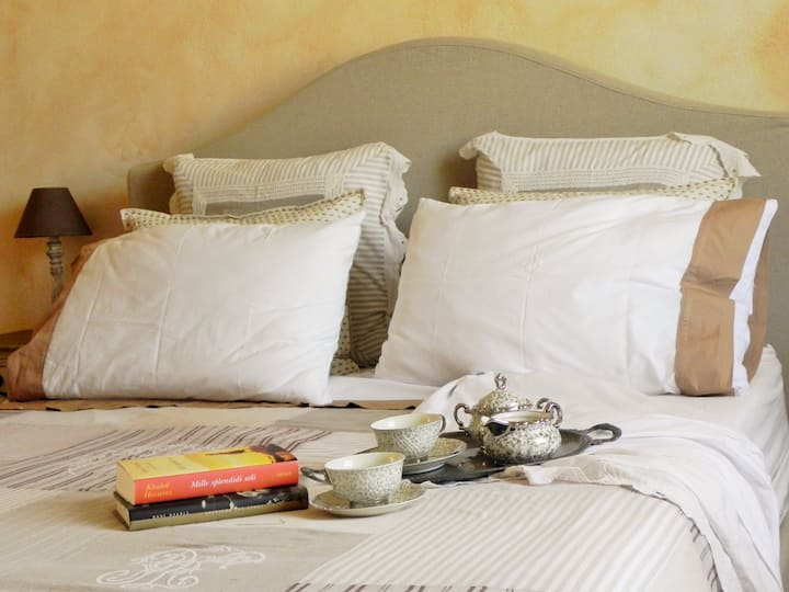 Camera in Luxury  country  House in Toscana