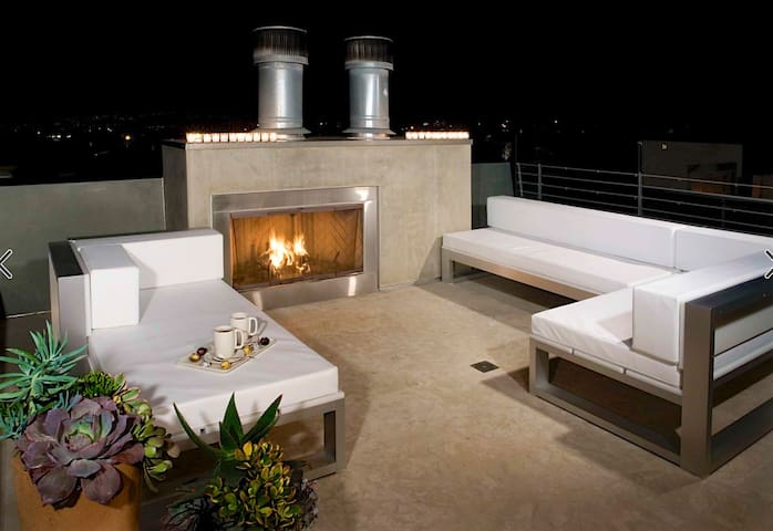 Brand New PENTHOUSE Hollywood Condo, Stunning View - Los Angeles - Pis