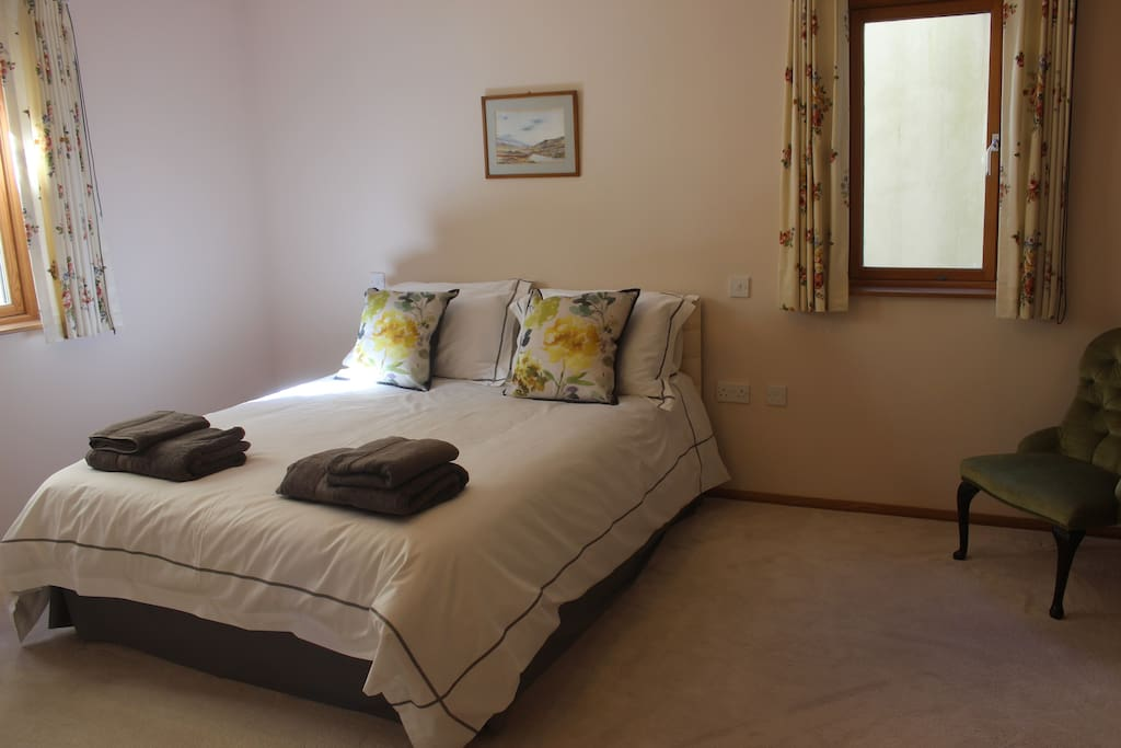 Double with dressing room and en-suite with a bath and shower. Bathroom has access from hall too.