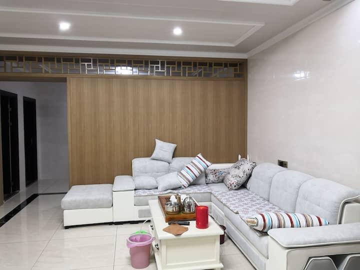 南澳青澳湾三美公寓舒心阳光六房一厅