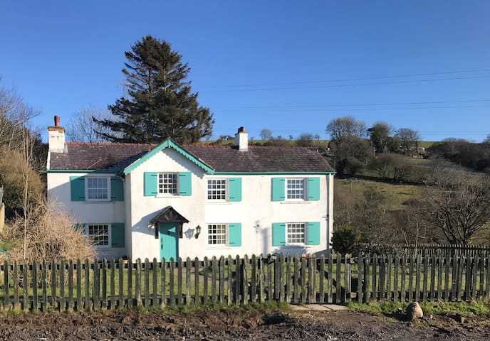 Flat in 16th Century farmhouse - Gower & Swansea