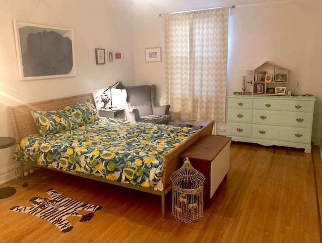 Airy, Spacious 1BR Blocks from Prospect Park!