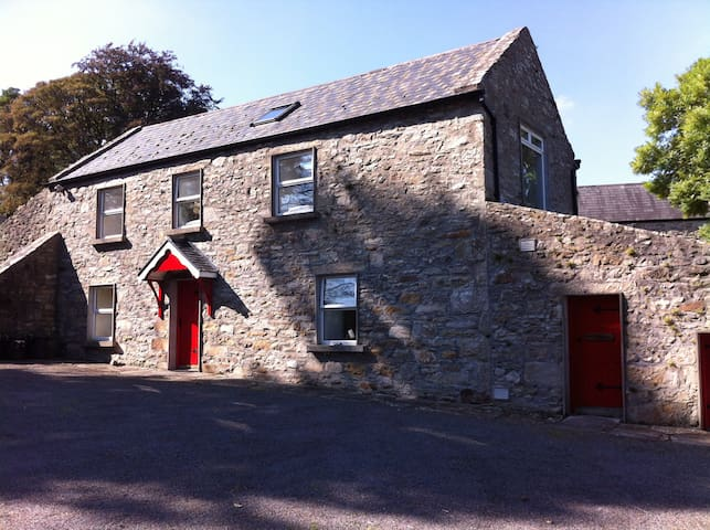 The Stables - On Private Working Farm - Foxford - House