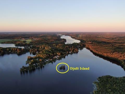 Island with Sauna / Boat / Canoe / Fridge / Grill
