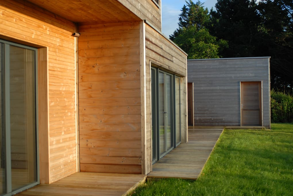 Maison d 39 architecte en bois vue mer avec terrasse houses for rent in pl neuf val andr - Maison architecte mark dziewulski ...