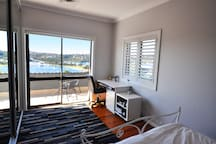 PROS - Mosman Stunning Water Views