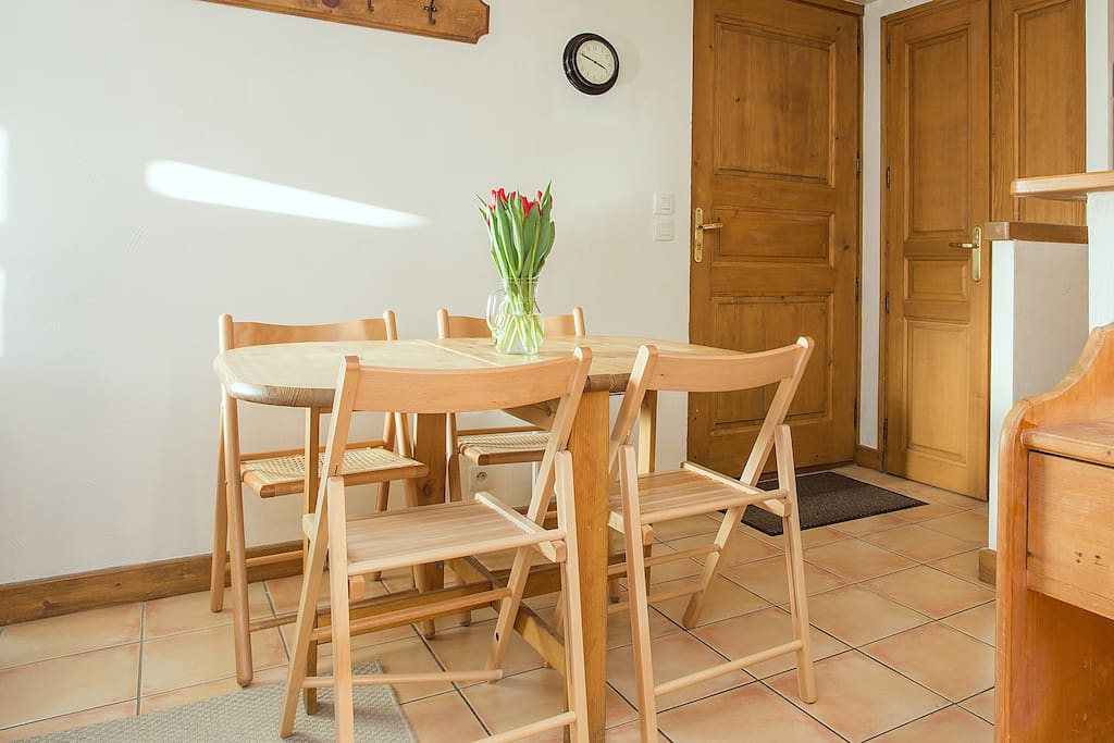 Dinning space for 4 people