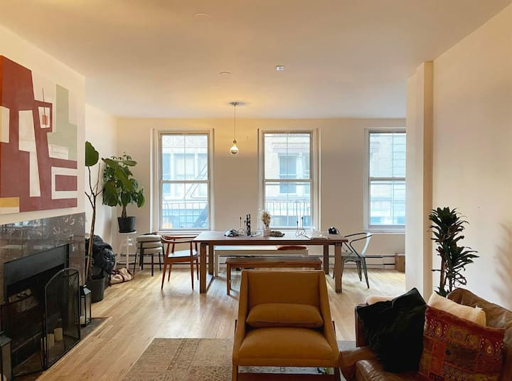 Master Room in Artist Loft Soho *Weekly Specials*