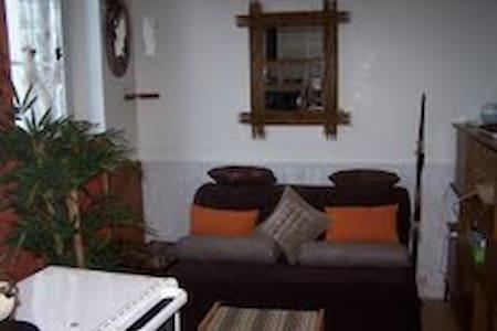 studio meublé cosy pour 2 en ville - Verneuil-sur-Avre - Daire