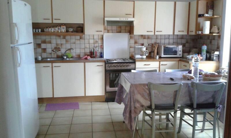 maison de campagne - Essertines-en-Donzy - House