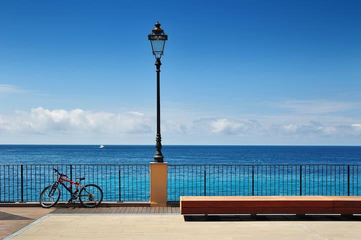 Mare e tranquillità + biciclette - Borgio - Huoneisto