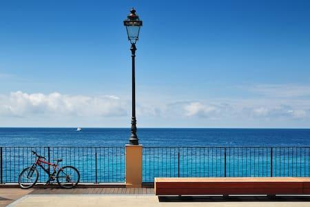 Mare e tranquillità + biciclette - Borgio - Lakás