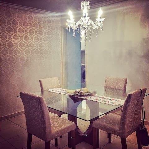 O melhor quarto para você. Bom bonito e barato