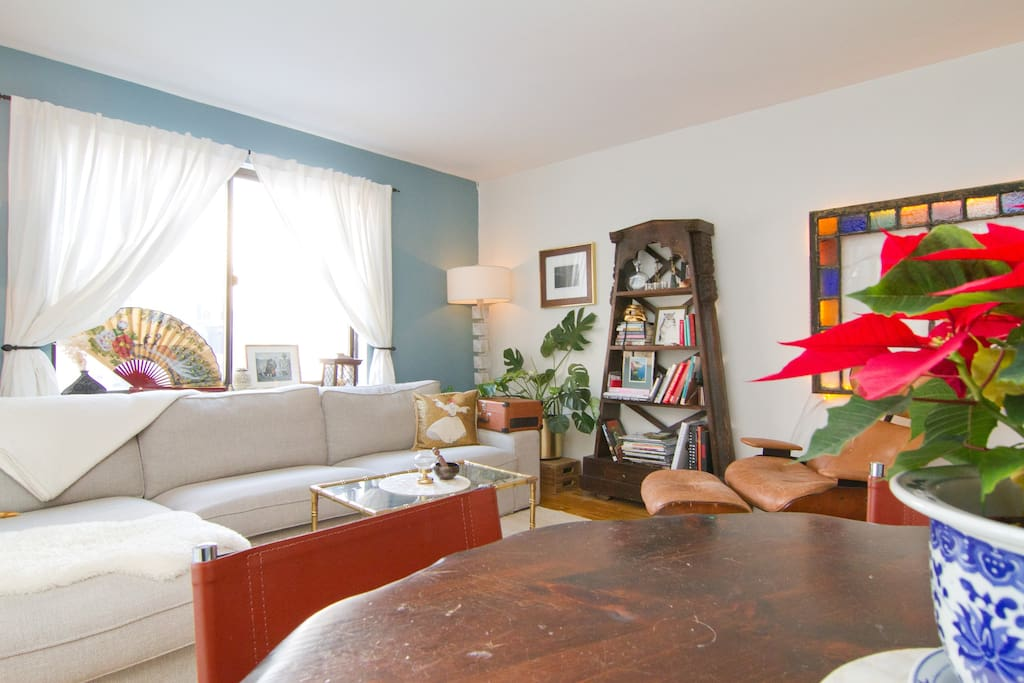 BEAUTIFUL ONE BDR APT in Chinatown!