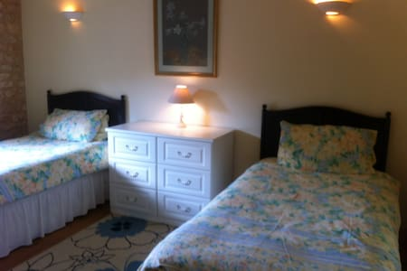 Charente Bed & Breakfast, Twin Room - Bernac - Гестхаус
