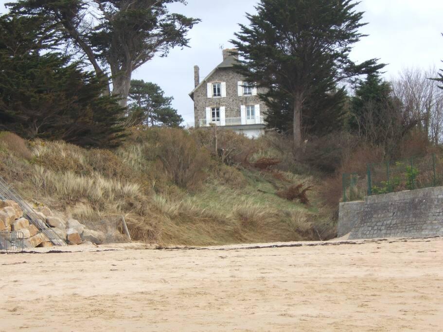 Vue de la plage de la maison