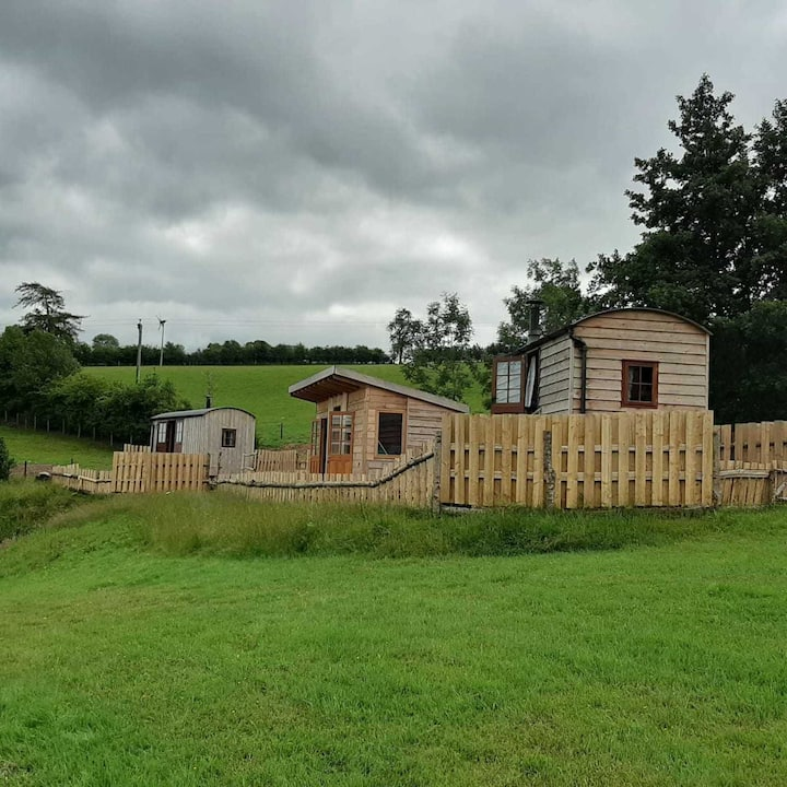 1 Bed Foxgloves Hut in Clun Valley Countryside