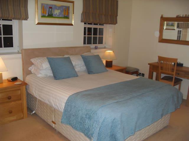 Master Bedroom with En-Suite  - Bearsden