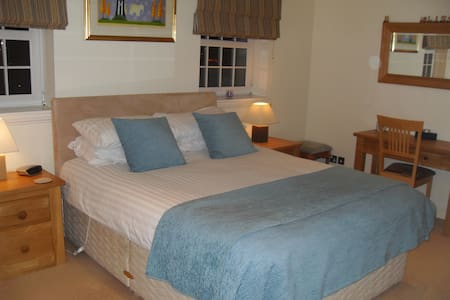 Master Bedroom with En-Suite  - Bearsden - Casa