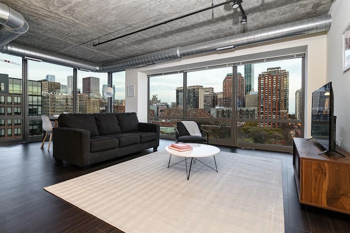 Kasa | Chicago | Classy Modern 2BD/2BA Downtown Apartment