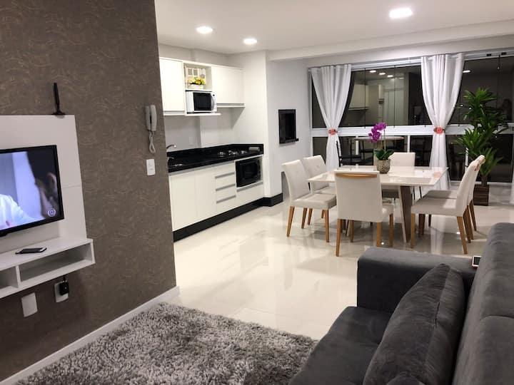 Apartamento confortável próximo à Vila Germânica.