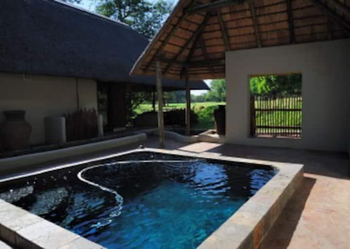 Impisi Safari Lodge