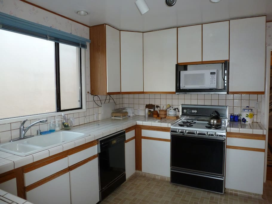Plenty of counter and cabinet space. Toaster, Blender, Coffee maker,Teapot and other kitchen accessories available
