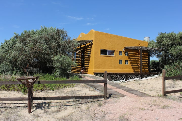 Casa Cuatro Cucharas: RELAX next to La Viuda beach