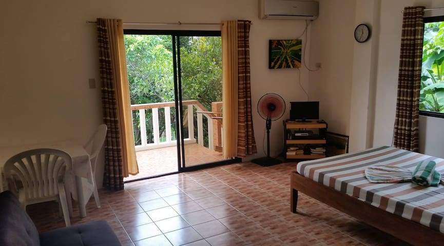 STUDIO Type   (Near Beach) - Puerto Galera - Apartment