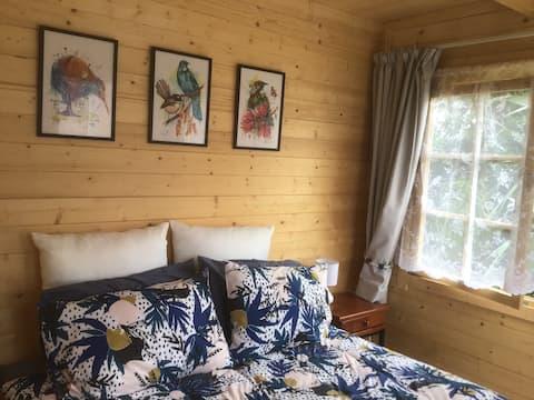 Retreat to a stylish Cabin @ Tuapiro