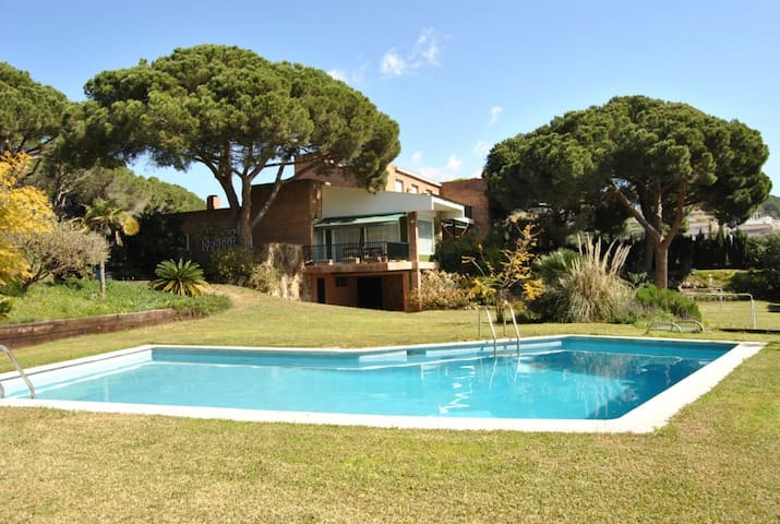 Beautiful Villa with panoramic seaviews - Barcelona - Talo