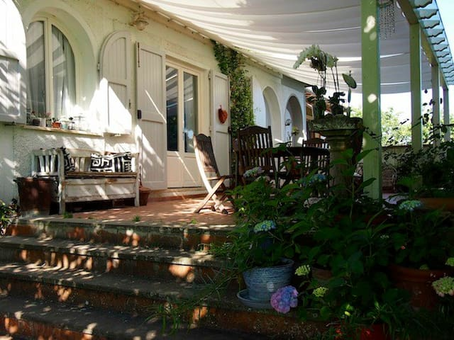 Country house & garden near Firenze - Caselle - Casa