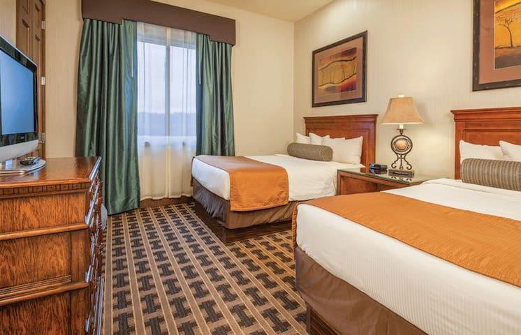 FUN! 2 Bedroom Condo at Glacier Canyon - Baraboo - Appartement
