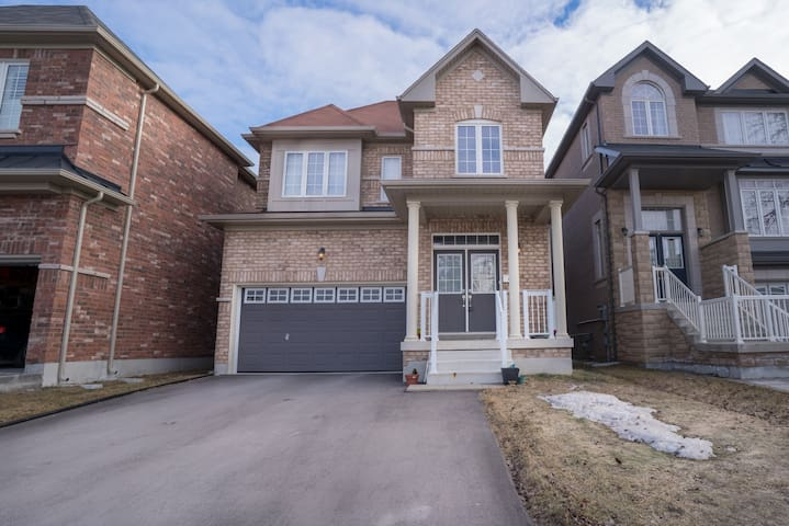 Markham 4 bedroom whole house for rent
