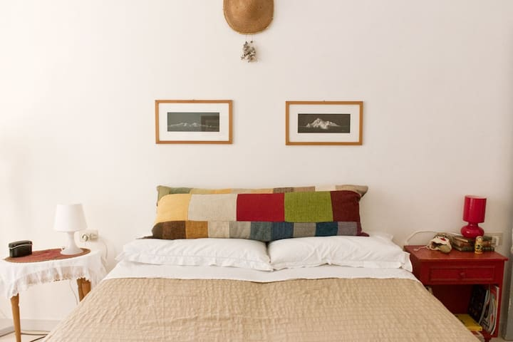 Vintage Room - sea view
