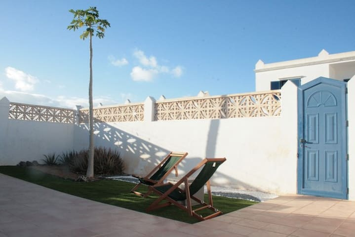 Fuerte Holiday Sunshine Garden Apartment - Costa Calma - Huoneisto
