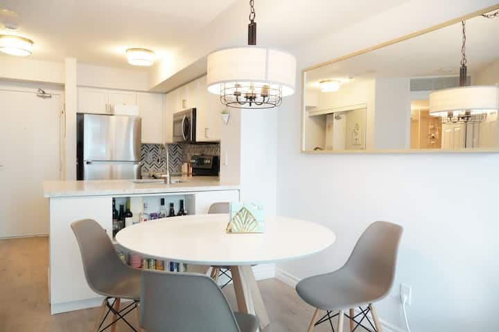 Gorgeous condo in North York with private terrace