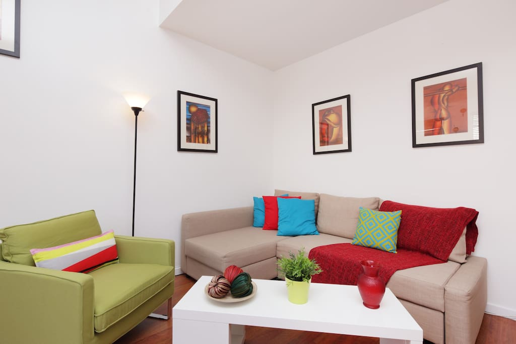 living room with sofa bed( full)